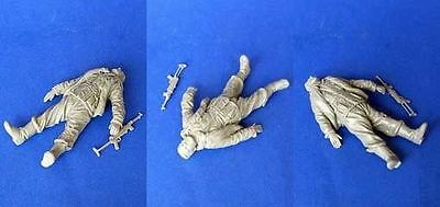 MasterClub 1/35 The Dead German Army Soldier in WWII Resin Figure (35027)