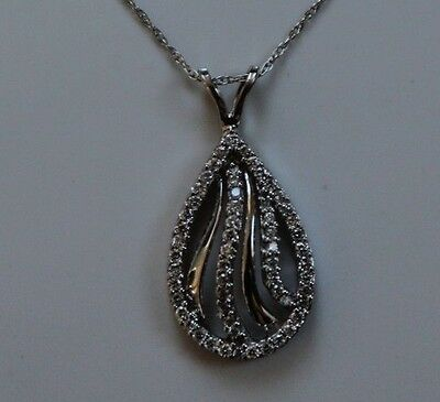14k White Gold .25 TW Diamond Pendant Necklace 18 inches - NEW