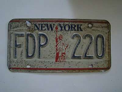 Vintage New York License Plate FDP 220 - Statue of Liberty 7513