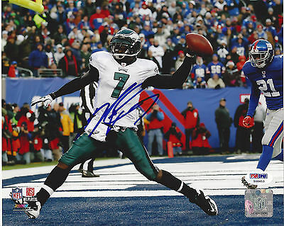 """Michael Vick Eagles """"miracle At The Meadowlands 2"""" Autographed 8X10 Color Photo"""