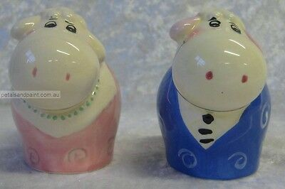New Ceramic Sheep Salt & Pepper Shakers Novelty & Collectible Cute Pink & Blue