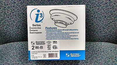 Smoke Detector, 12/24 VDC, Photoelectric. System Sensor Model 2W-B