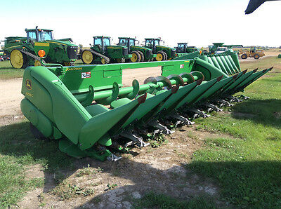 2011 John Deere 608C Headers