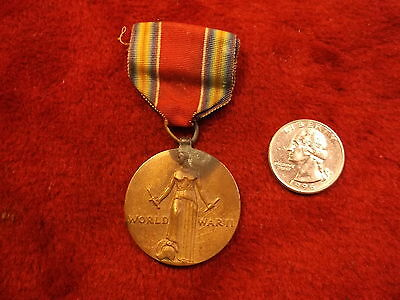 """Very Old Vtg Wwii Victory Medal """"freedom From Fear & Want, Of Speech & Religion"""""""