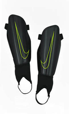 CHARGE 2.0 Nike Shin Guard Pads Schienbeinschoner Black Men