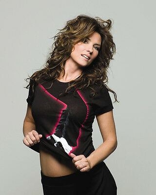 Shania Twain UNSIGNED photo - E626 - STUNNING!!!!!