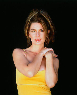 Shania Twain UNSIGNED photo - E638 - SEXY!!!!!
