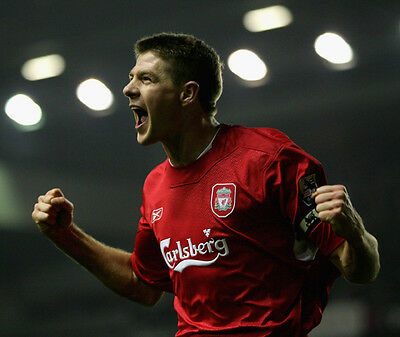 Steven Gerrard UNSIGNED photo - F753 - Liverpool and England footballer