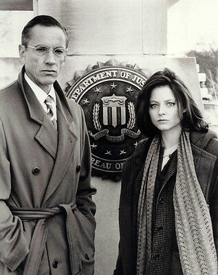 The Silence of the Lambs UNSIGNED photo - F870 - Scott Glenn & Jodie Foster