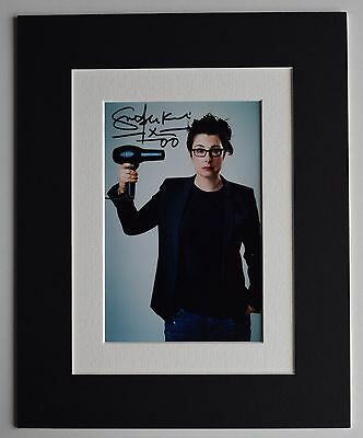 Sue Perkins Signed Autograph 10x8 photo display TV GBBO Bake Off AFTAL & COA