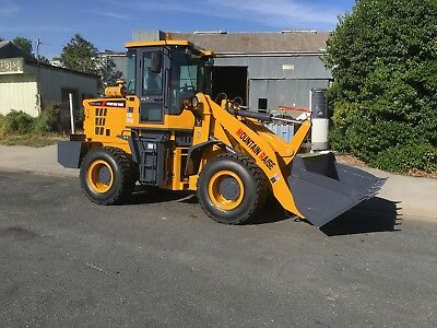Mountain Raise Wheel Loader 2 Ton Lifting Capacity 102Hp New