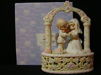 t Precious Moments-Beautiful HUGE Wedding Musical Topper