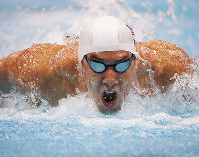 Michael Phelps UNSIGNED photo - F1135 - American competitive swimmer