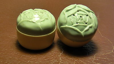 Vntage Kitchenalia containers. Vinegar,salt,pepper,canister. Green & Cream.