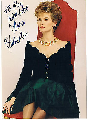 Fiona Fullerton Actress James Bond View to a Kill  Hand Signed Photograph 7 x 5
