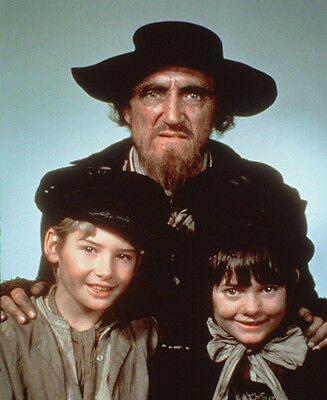 Mark Lester, Ron Moody and Jack Wild UNSIGNED photo - G55 - Oliver!