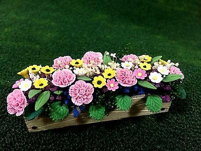 BRIGHT-DELIGHTS DOLLHOUSE MINIATURE  SUN FLOWERS IN PICKET FENCE  BOX A1072