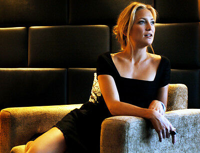 Kate Hudson UNSIGNED photo - G275 - GORGEOUS!!!!!