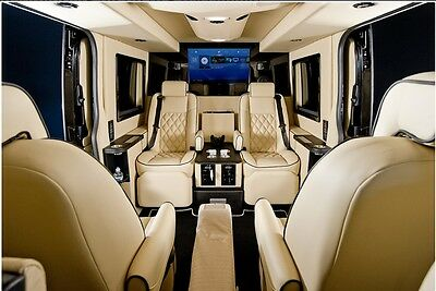 Executive Limo 8 Seater Luxury Car mini bus hire wedding, prom, events travel