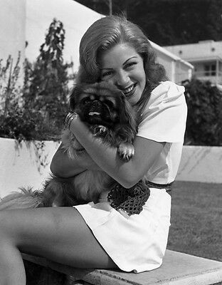 Lana Turner UNSIGNED photo - H413 - With her dog!!!!