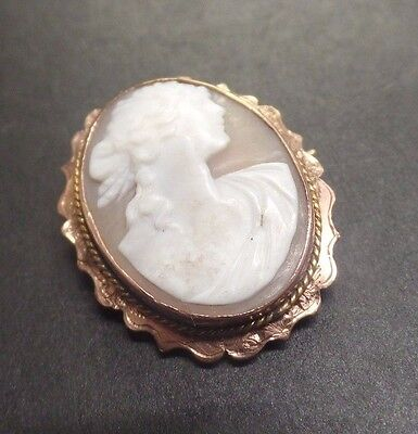 Vintage 9ct gold cameo brooch in beautiful condition and great quality