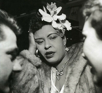 Billie Holiday UNSIGNED photo -H830- American jazz musician & singer-songwriter