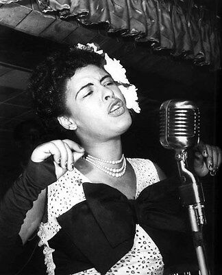 Billie Holiday UNSIGNED photo -H831- American jazz musician & singer-songwriter