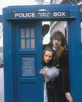Tom Baker and Mary Tamm UNSIGNED photo - H27 - Doctor Who
