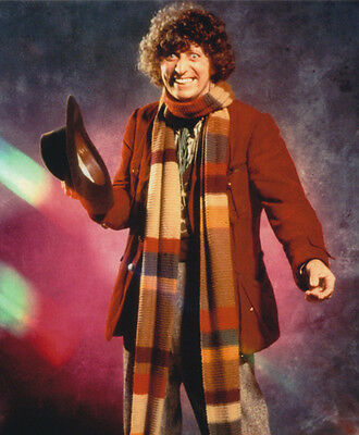 Tom Baker UNSIGNED photo - H44 - Doctor Who