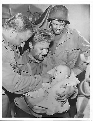 Vic Morrow/combat/ 7X9 Original Photo Cc13488