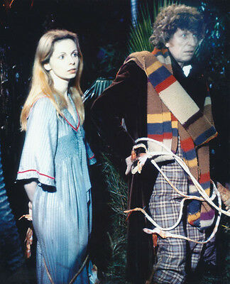 Tom Baker and Lalla Ward UNSIGNED photo - H78 - Doctor Who