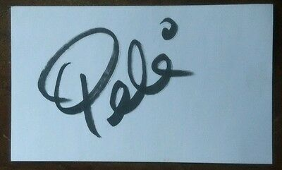 PELE SIGNED 3x5 INDEX CARD. SOCCER LEGEND Authentic Autograph in bold sharpie.