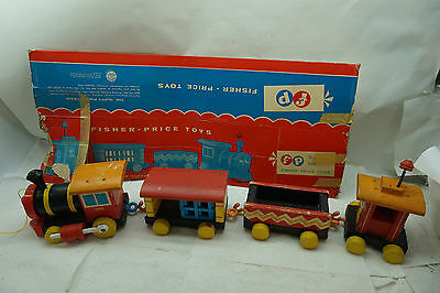 Vintage Fisher Price Huffy Puffy Train 999 Pull Toy Engine 4 Pc Complete Box