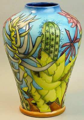 Superb Moorcroft Arizona Pattern Art Pottery Vase C.1999