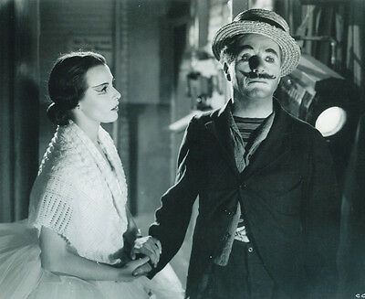 Claire Bloom and Charlie Chaplin UNSIGNED photo - H204 - Limelight