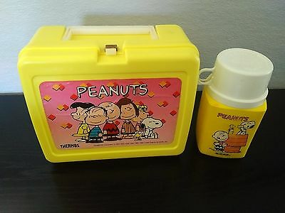 Peanuts Gang Yellow Vintage Lunch Box with Snoopy Thermos  2 Piece set