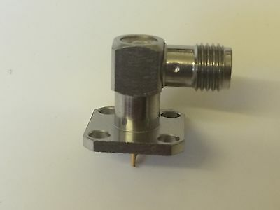 SMA FEMALE RIGHT ANGLE BULKHEAD SOCKET BY ROSENBERGER TOP QUALITY          bsb5c