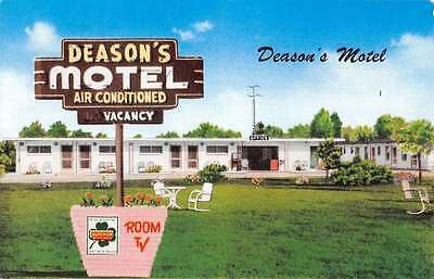 Georgetown South Carolina Deasons Motel Street View Vintage Postcard K42073