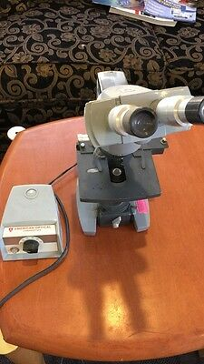 American optical illumintor model 1036A