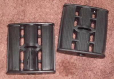 "NOS Vintage Black Plastic Tricycle Pedal Car Pedals with 7/16"" Pedal Holes"