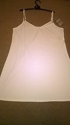 BNWT white cooling full slip reversible neck cling resist Marks and Spencer