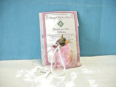 """Charming Tails Promise of a Cure Collectio """"Wrapped Up in a Cure"""" Mouse Figurine"""