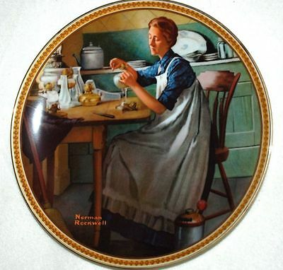KNOWLES Collector PLATE - Working in KITCHEN - Rockwell P22 yy