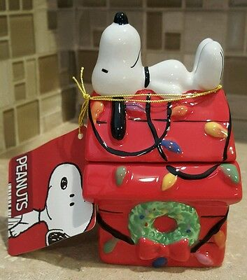 Westland Giftware Peanuts Snoopy Christmas Magnetic Salt and Pepper Shaker Set