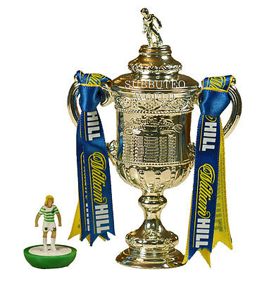 SCOTTISH FA CUP & DISPLAY BOX. OFFICIAL LICENSED PRODUCT. SUBBUTEO SOCCER. 100mm