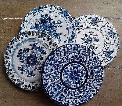 Set of 4 Round Ceramic Coasters in Blue & White floral prints