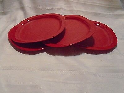 Tupperware Essential  MICROWAVE REHEATABLE LUNCHEON Plates Set of Four RED