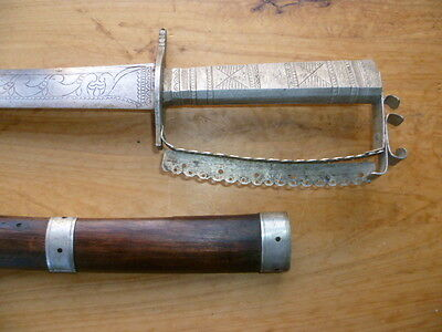 VINTAGE OLD INDIAN, TRIBAL MILITARY, ARMY SWORD & SCABBARD, '750mm' (B486)