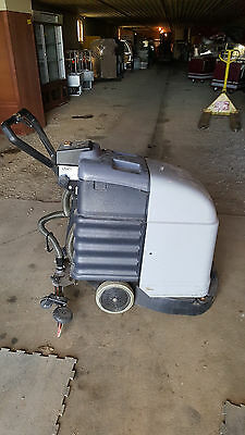 IPC Eagle Power F36 Automatic Floor Scrubber Machine Battery Powered Walk Behind