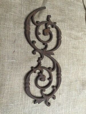 VINTAGE CAST IRON FENCE SECTION SWIRL SALVAGED STEAM PUNK Gothic Architectural